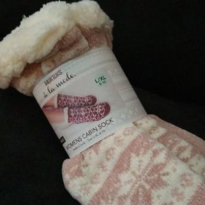 Last One!  2/$40 MUK LUKS Cabin Socks Rose